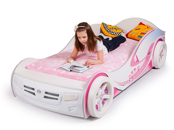 Кровать-машина для девочки